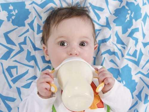 首页 育儿亲子    生活中要严格把控婴儿的吃奶量,既不能让宝宝饿着