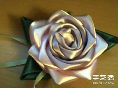 手工制作丝带玫瑰花 手工缎带玫瑰花折法图解