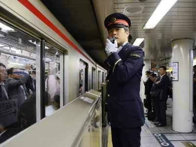 地铁摄像头 日本地铁引入识别醉酒乘客的摄像头