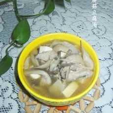 海蛎子豆腐汤 海蛎子蘑菇豆腐汤的做法