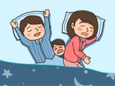 关于妈妈带宝宝的利弊 宝宝跟妈妈睡的好处和坏处有哪些